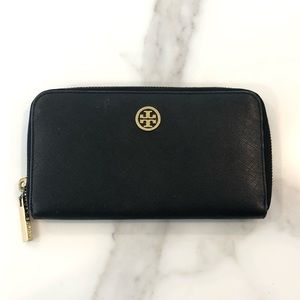 Tory Burch Robinson zip continental wallet, black